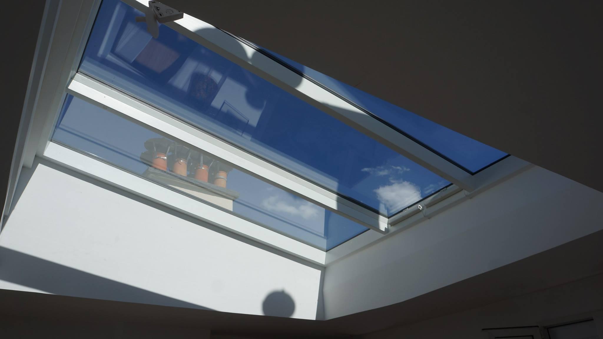 Verrière Elyos sur toit pente en zinc - Angle de vue intérieur