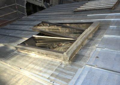 Verrière de toit sur toit incliné zinc - Angle de vue serré extérieur